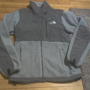 The North Face Sweater Size XS Great for Fall!✨✨